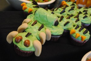 """Prehistoric"" Alligator Cupcake Birthday Cake"
