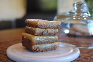 Easy Yummy Spiced Graham Cracker Crust Lemon Bars Recipe